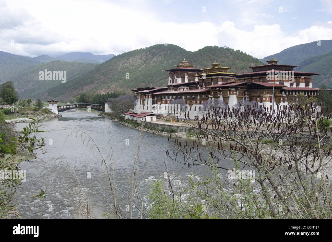 A view of Punakha Dzong, also known as Pungtang Dechen Photrang Dzong, Punakha, Bhutan - Stock Image