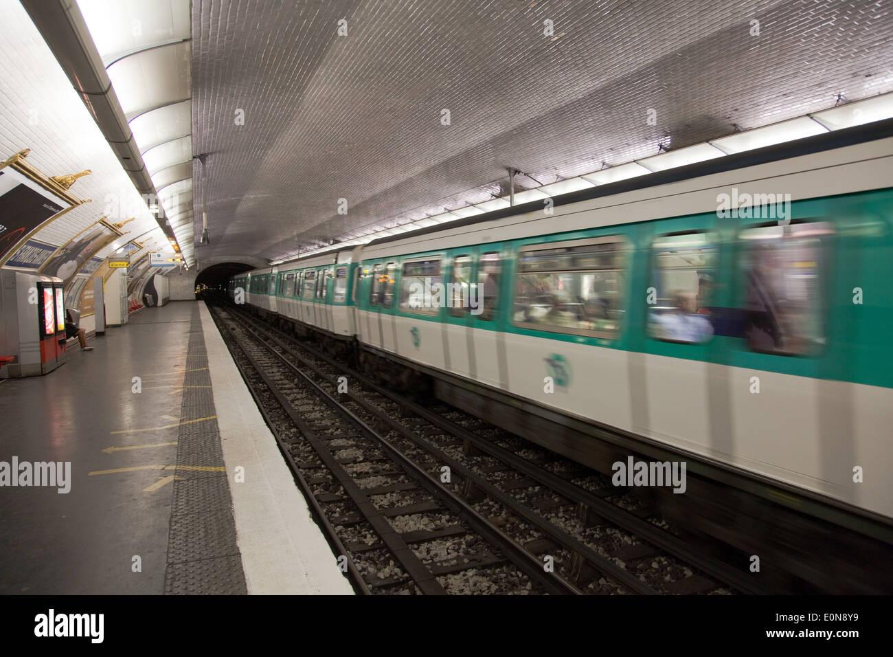 Metro, Paris, Frankreich - Metro, France, Paris Stock Photo