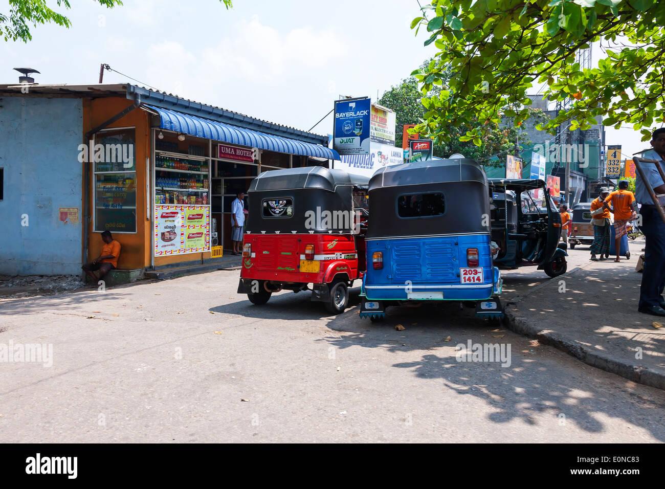 Tut Tut's on the streets of Colombo, Sri Lanka. - Stock Image
