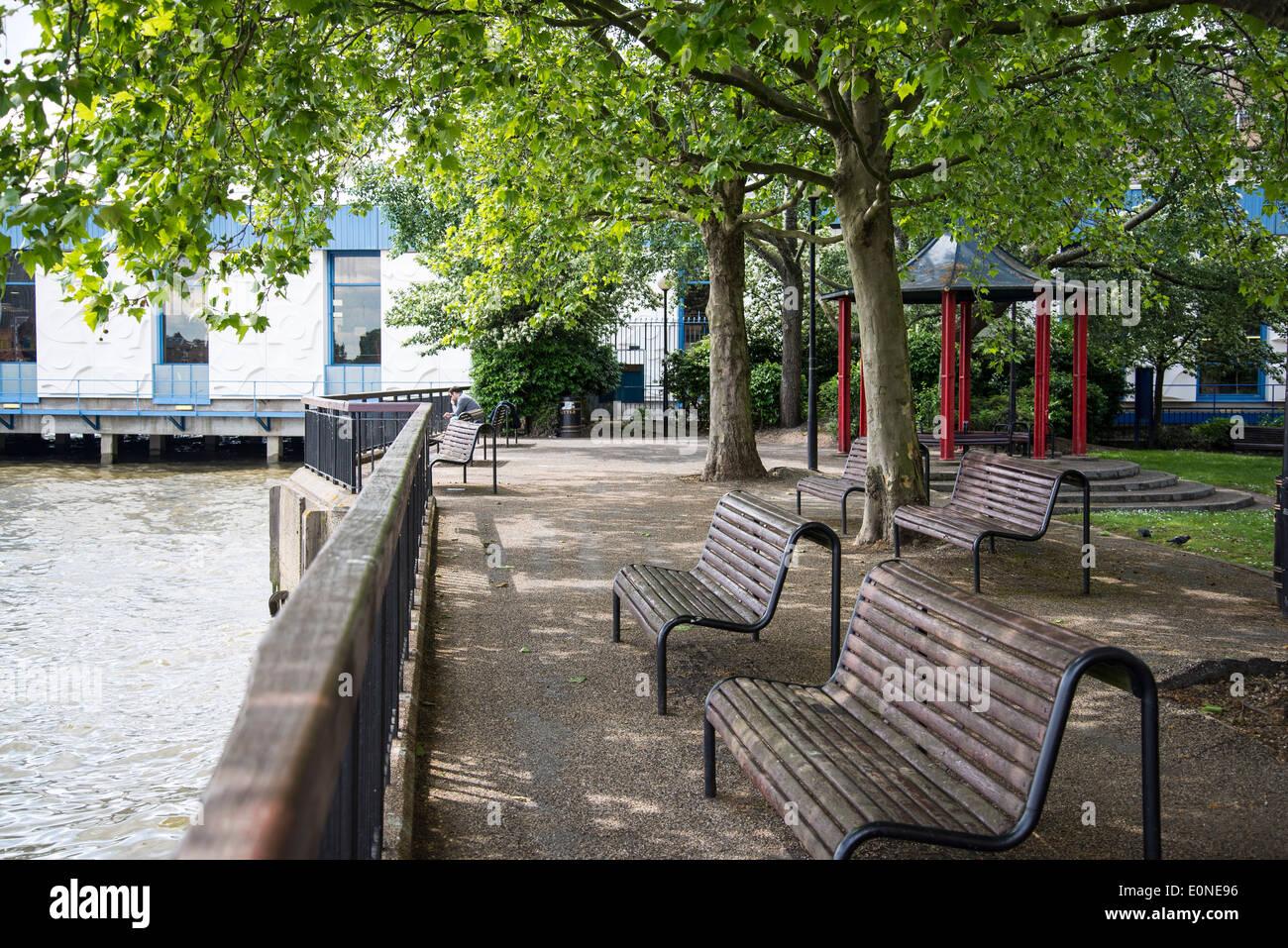 Waterside Gardens, Wapping High Street, Tower Hamlets, London, UK - Stock Image
