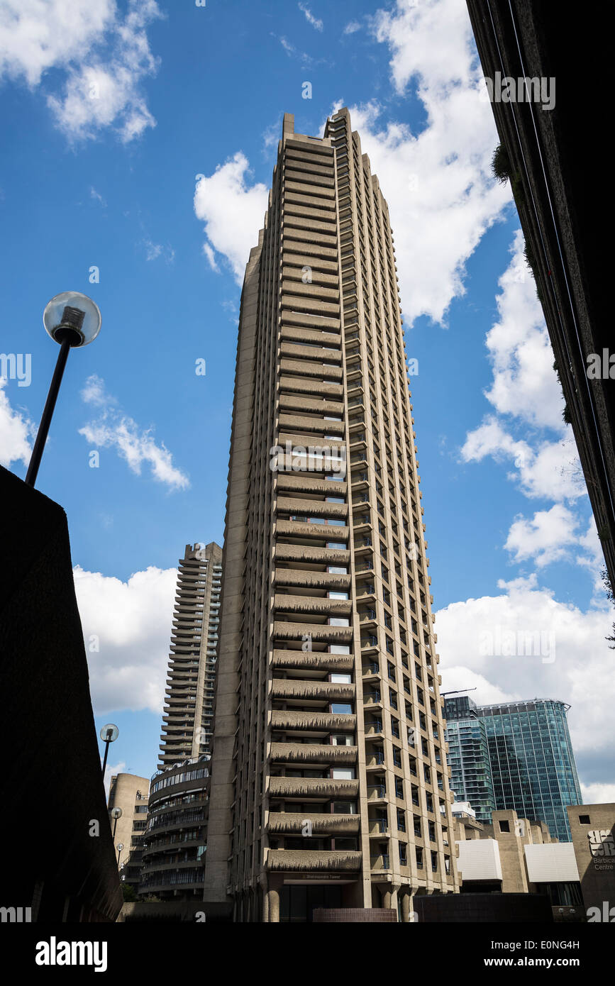 Barbican residential estate, Shakespeare Tower, City of London, UK - Stock Image