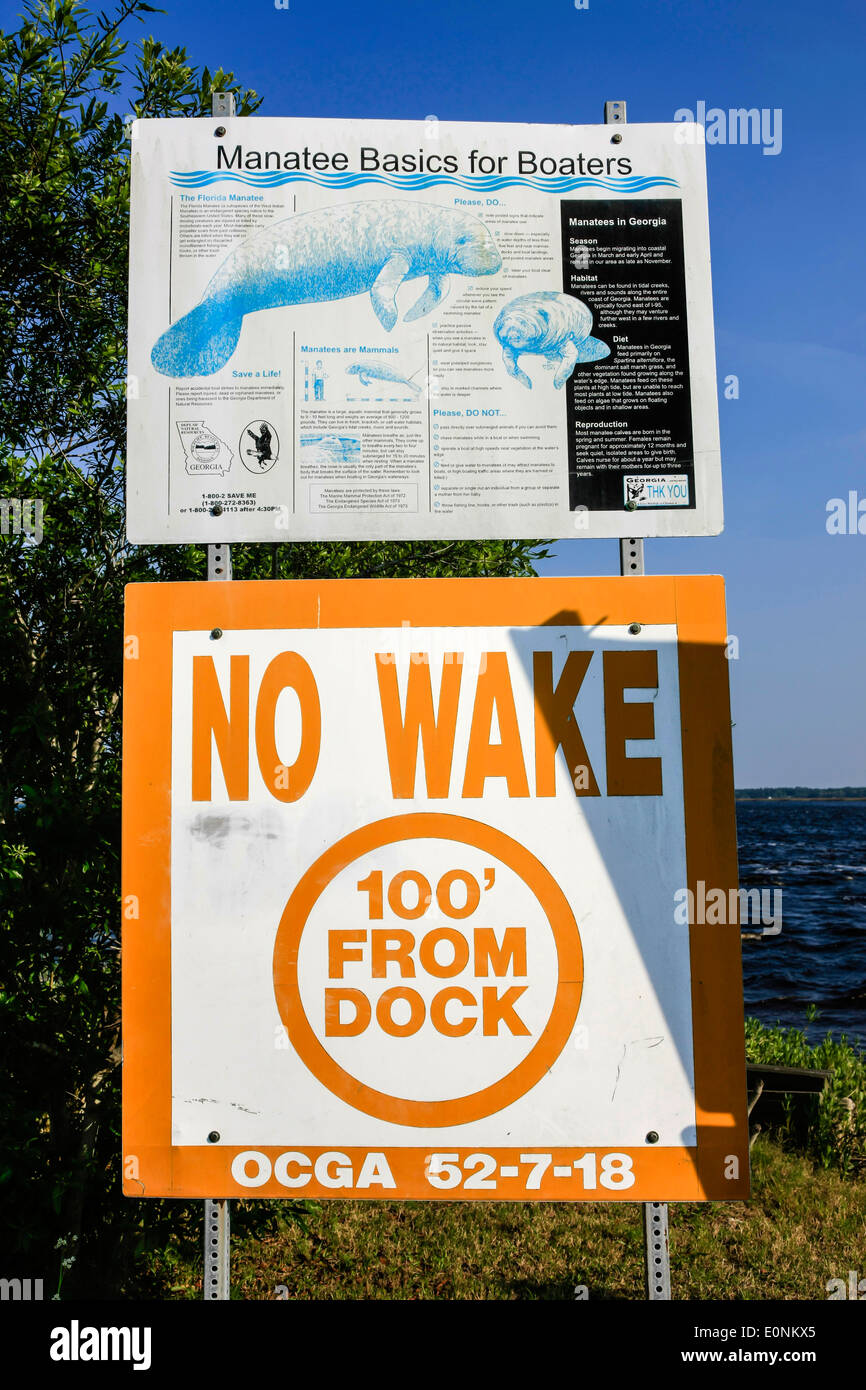 Manatee Basics for Boaters sign - Stock Image