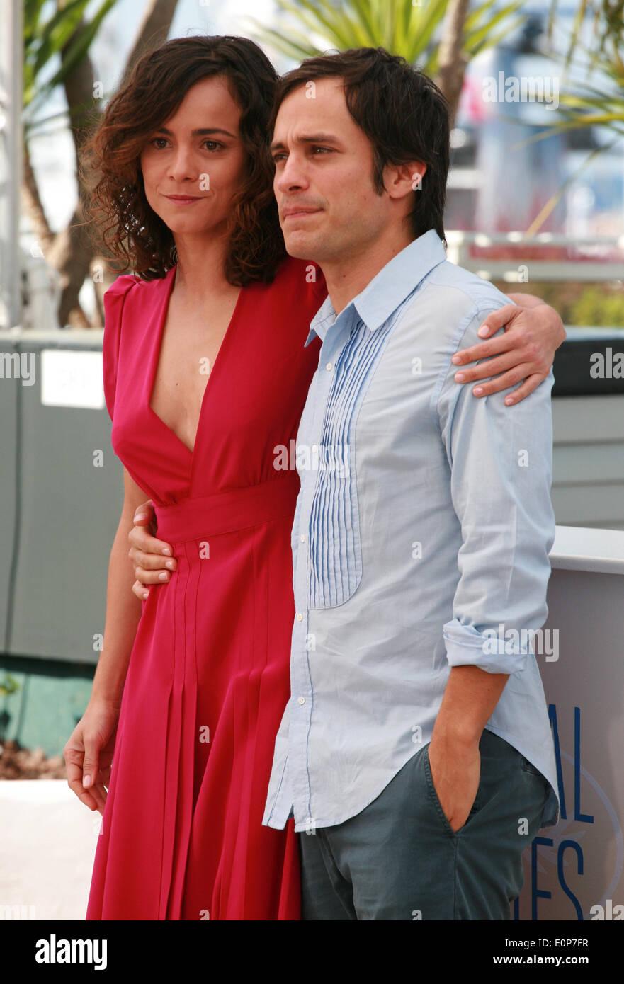 Alice Braga dating