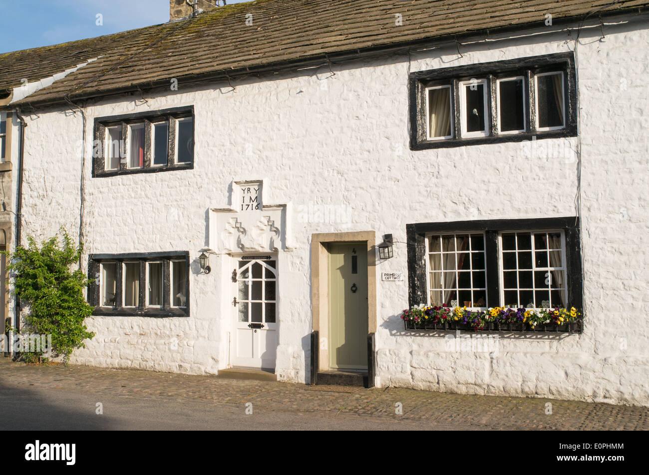 18th century whitewashed cottages Bolton-by-Bowland, Lancashire, England, UK - Stock Image
