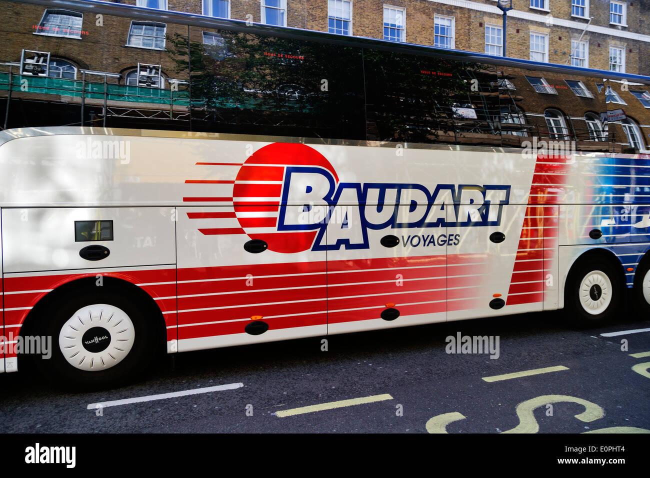 Tourist bus, Baudart Voyages, Baker Street, London, England, UK - Stock Image