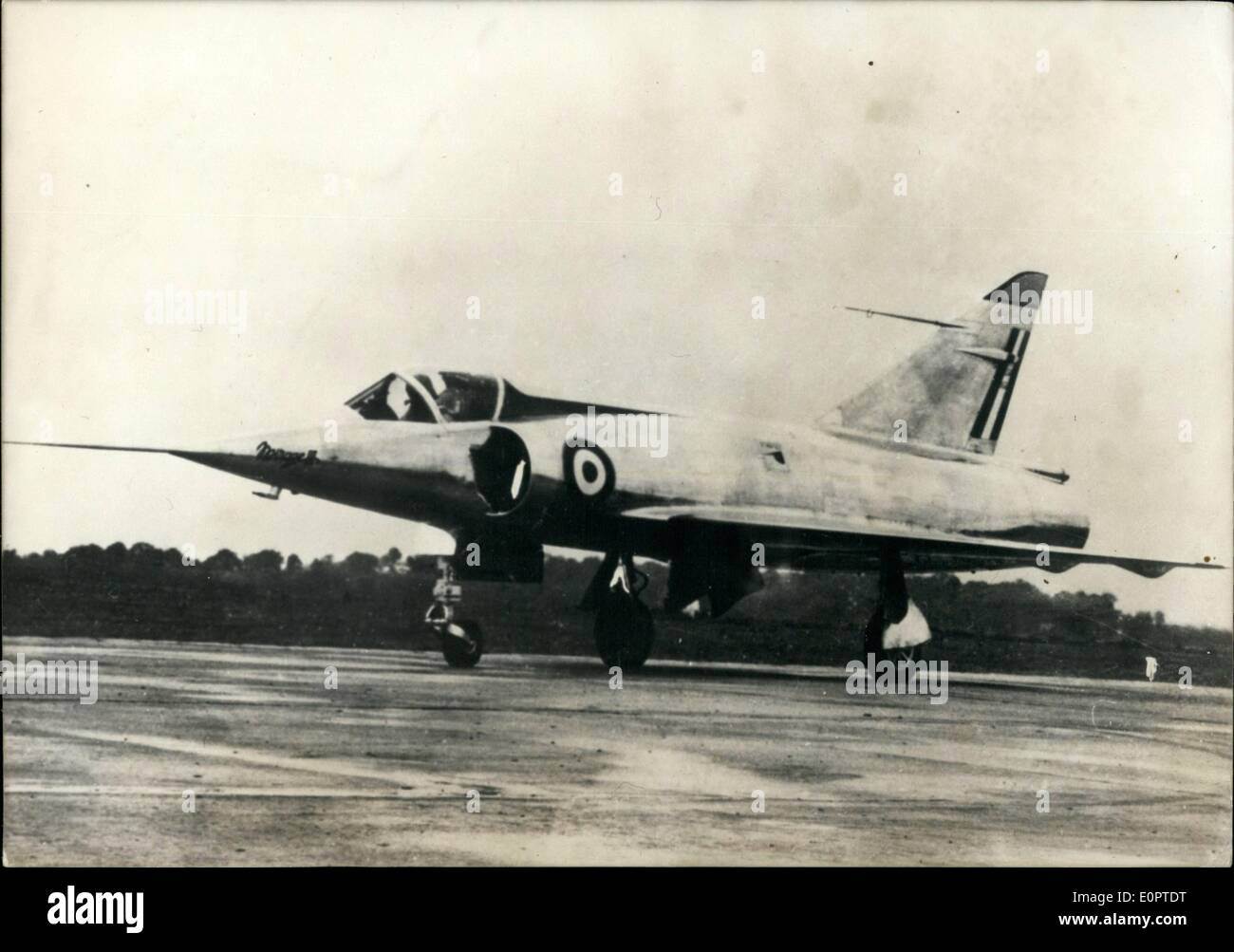 Feb. 02, 1957 - French Plane Flies at 1.150 m.p.h. The new French delta winged interceptor ''Mirage 0-3'' flew at a speed of 1.150 m.p.h. during a test horizontal flight yesterday. The ''Mirage 0-3'' is equipped with a Snecma jet engine ''Atar 101G'', post combustion. OPS: The new delta winged interceptor ''Mirage 0-3' - Stock Image