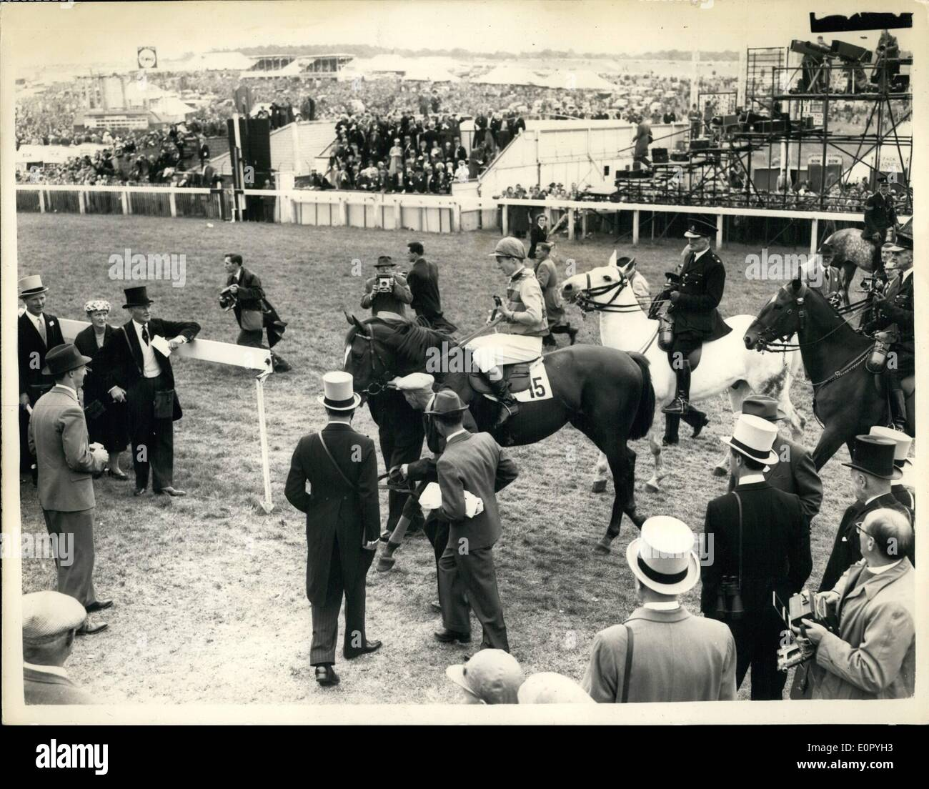 May 05, 1957 - ''Crepello'' wins the 1957 Derby. The Lead-In.: Photo shows General view of the soons at Epsom this afternoon as - Stock Image