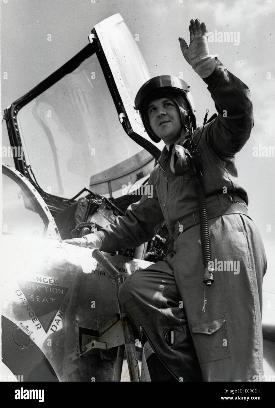 Pilot Roland 'Bee' Beamont waving from his airplane - Stock Image