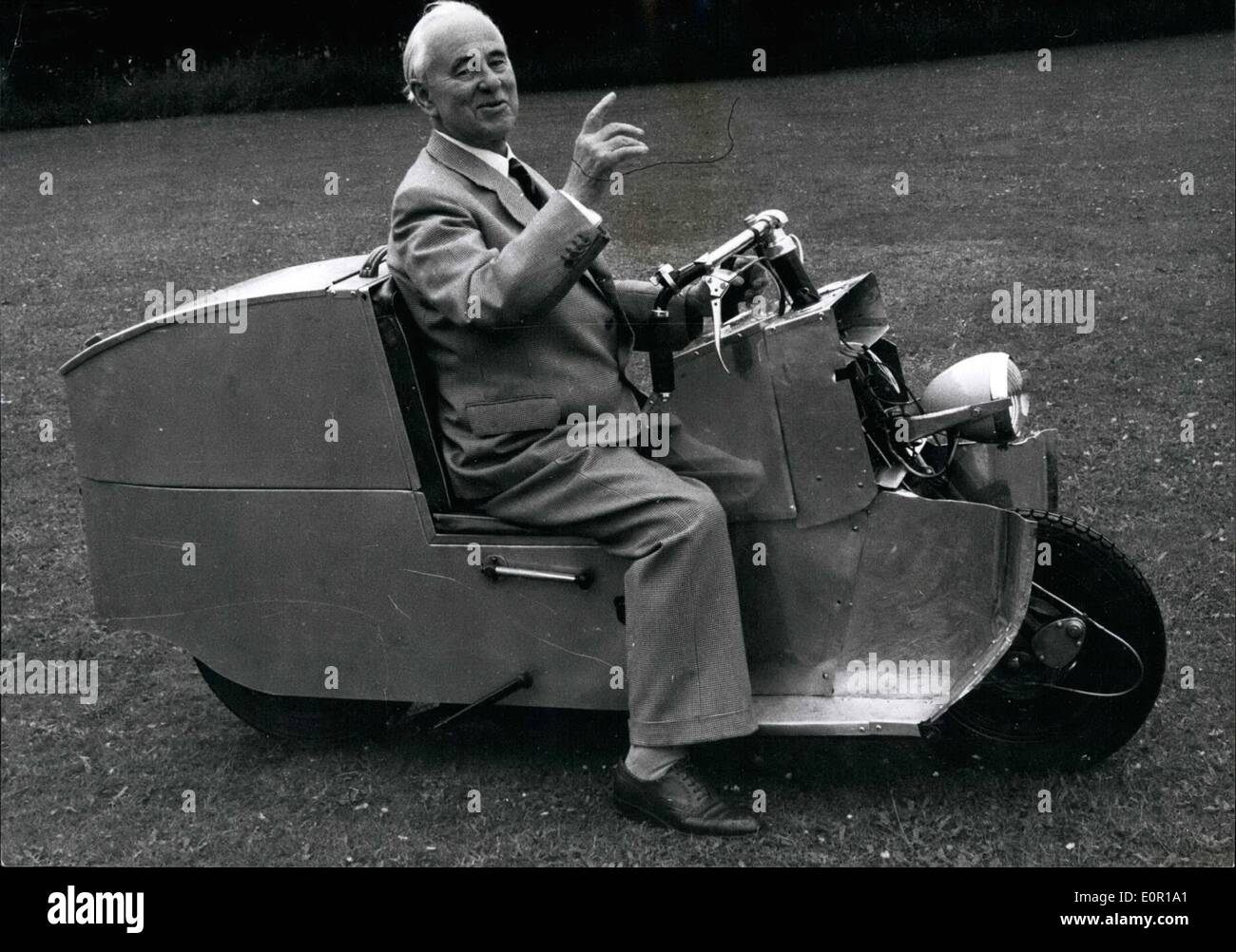 Aug. 08, 1957 - 80- year old Sir Alliot Roe designs a \'\'Car on two ...