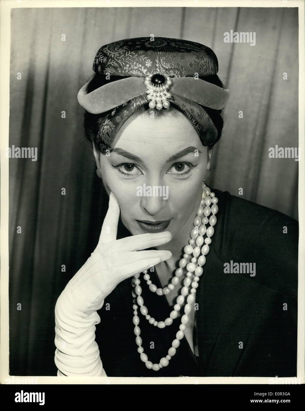 a0af302e96a907 Fashions On Show In London Keystone Photo Shows Stock Photos ...
