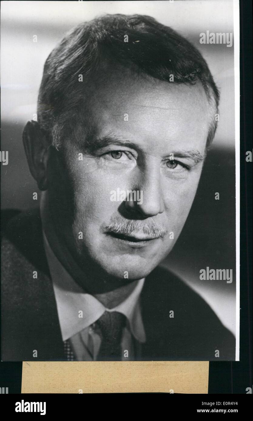 Mar. 03, 1958 - Helmut Kautner 50 years old: At March 25, 1958 Helmut Kautner (HELMUT KAUTNER) one of the most interesting stage management personalities of the German film, has become 50 years old. His first film has been ''Kitty and the world conference'' (1939), then ''Dresses are making the people ''Good bye Franziska'', ''We are making music'', ''Anuschka'', his first colour film: ''Great freedom number 7''. Under most difficult conditions, without studio and with very little money he was producing the first pre-war film of Western Germany ''In those days'' - Stock Image
