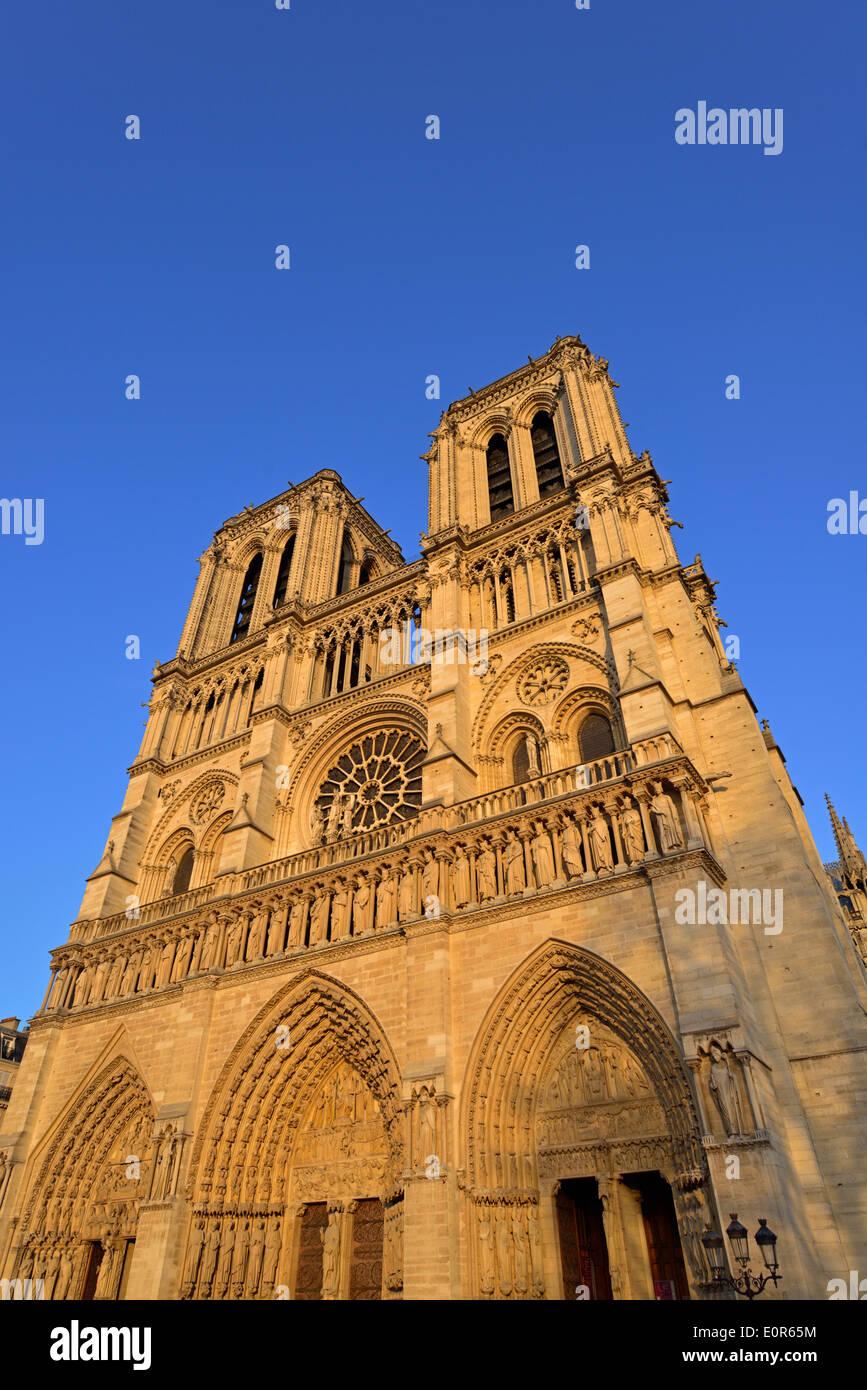 Notre Dame Cathedral, 6 Parvis Notre-Dame, Place Jean-Paul II, Ile de la Cite, 4th Arrondissment, Paris, France - Stock Image