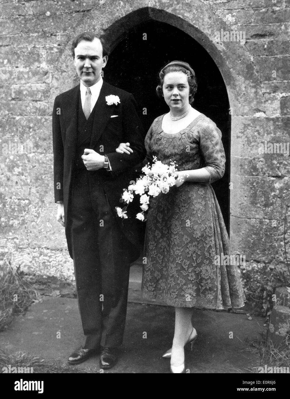 2nd Baron Altrincham weds Patricia Campbell Stock Photo