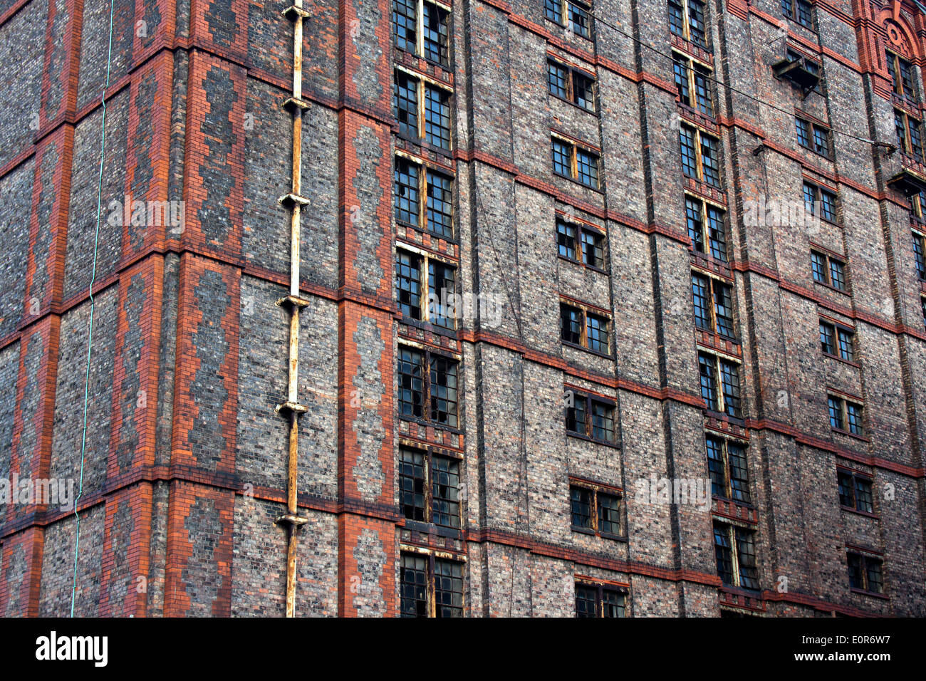 Old derelict victorian tobacco warehouse in Liverpool UK, Grade 2 listed, the largest brick built warehouse in the Stock Photo