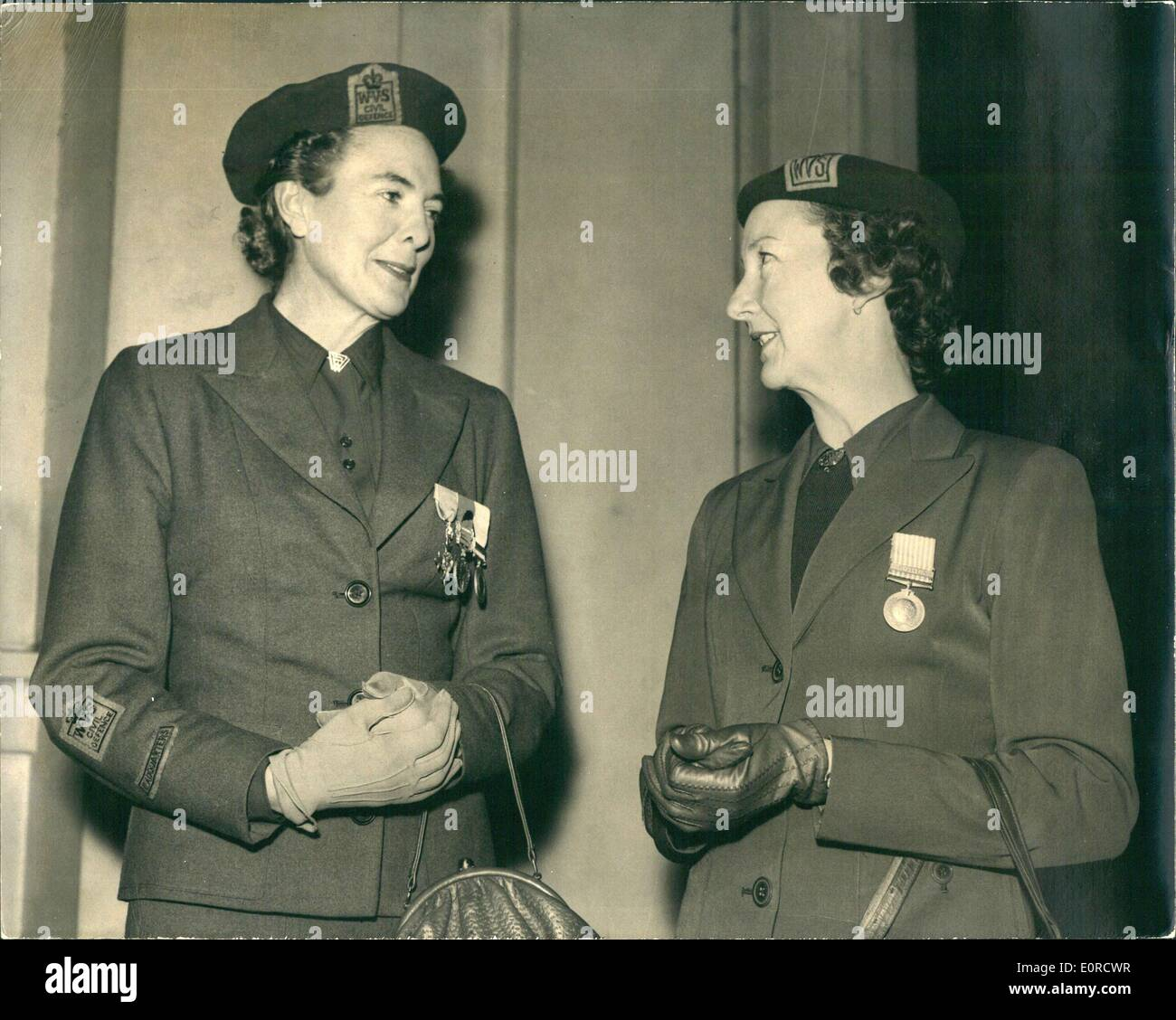 Mar. 03, 1959 - Palace Party for W.V.S. Members: Two members of the women's voluntary service, Miss N. Wilson, M.B.E. (left) of - Stock Image