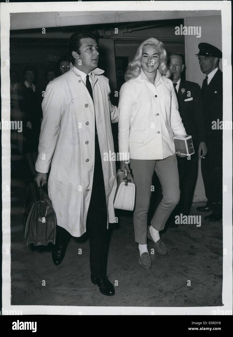 apr 04 1959 diana dors and husband dickie dawson fly