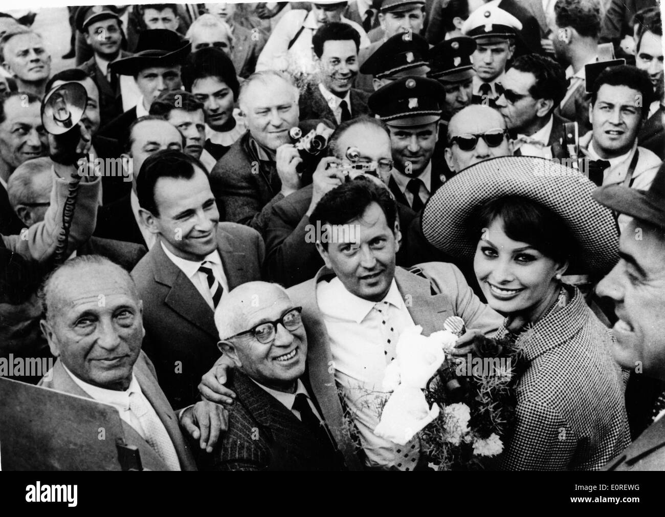Actress Sophia Loren being greeted by fans in Austria - Stock Image