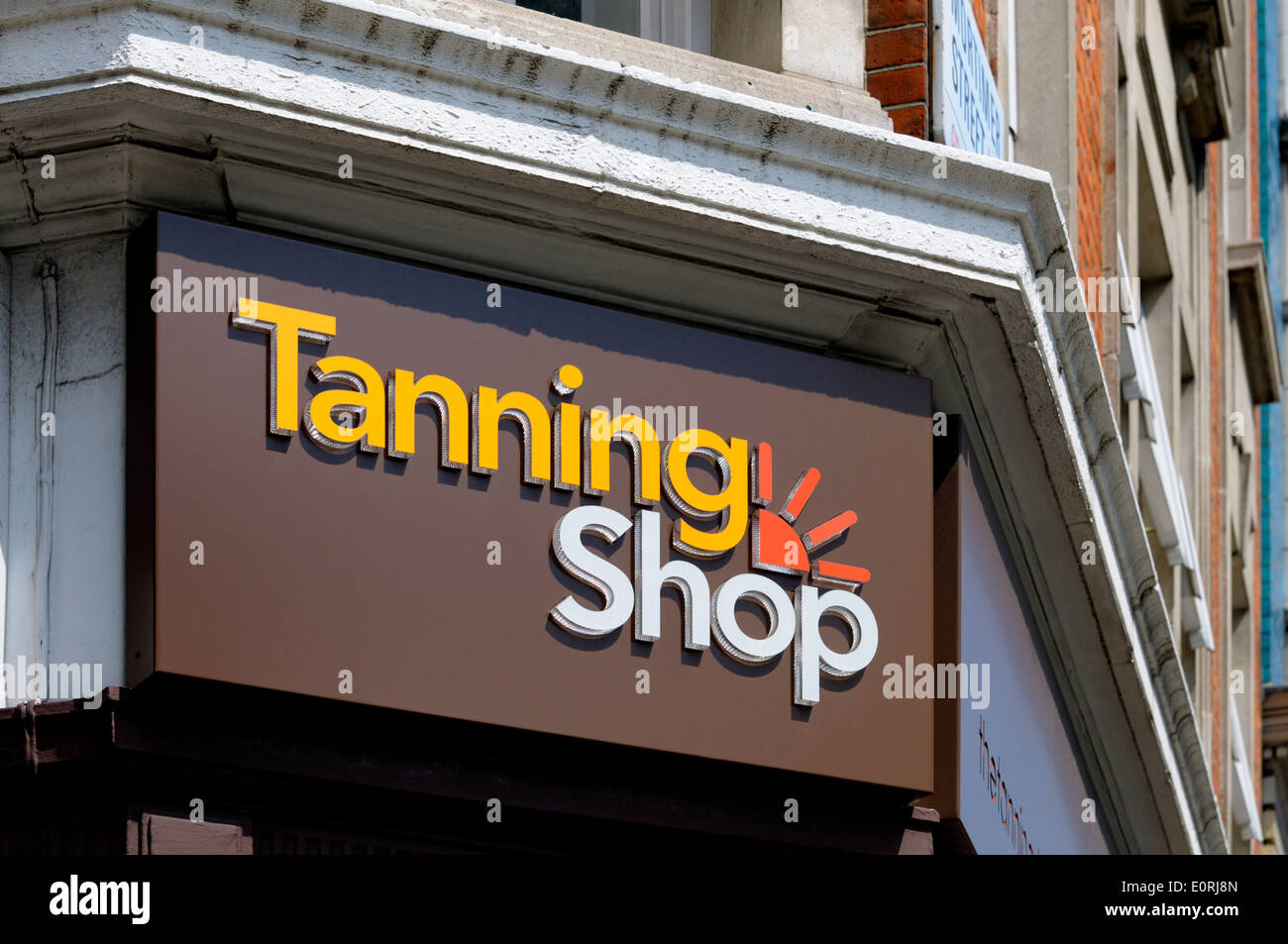 London, England, UK. Tanning Shop frontage - Stock Image