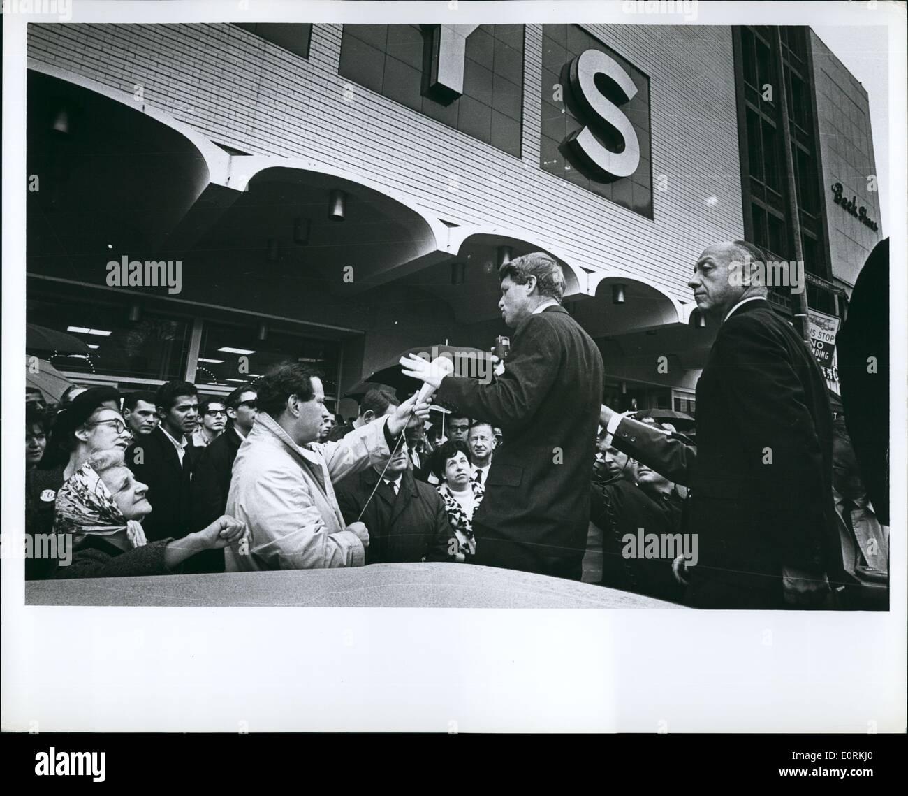 STORE NEW YORK ELECTION CAMPAIGN PHOTO POLITICS 1964 ROBERT KENNEDY MACY/'S DEPT
