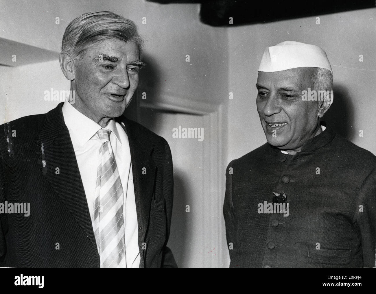 Aneurin Bevan meets with Jawaharlal Nehru - Stock Image