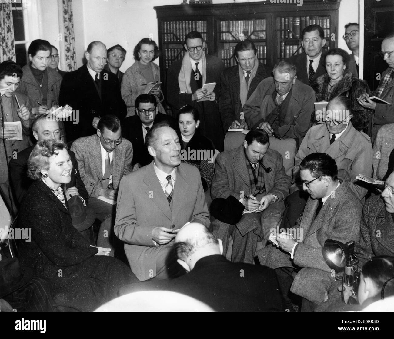 Architect Hermann Field holds press conference - Stock Image