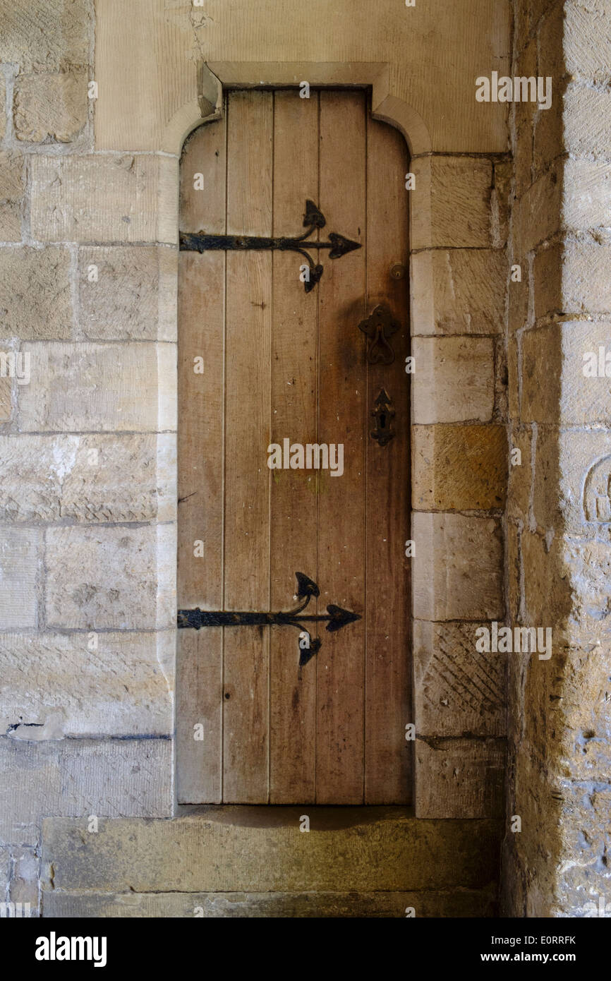 Medieval wooden door - Stock Image