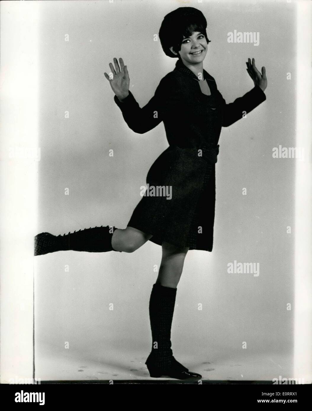 May 08, 1960 - Pamela to appear in new TV series: Pamela Franklin is what is known as a rising star of show busin At 16 she - Stock Image