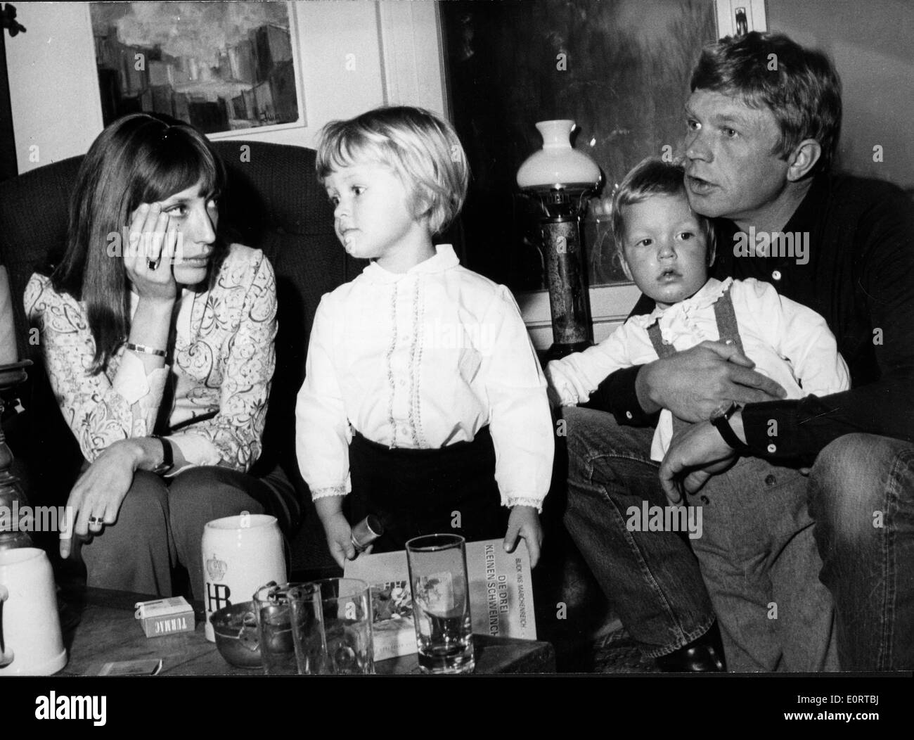 Actor Hardy Kruger with family - Stock Image