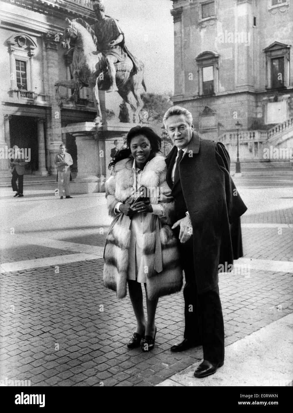 Actor Peter Finch vacations with Eletha Barrett - Stock Image
