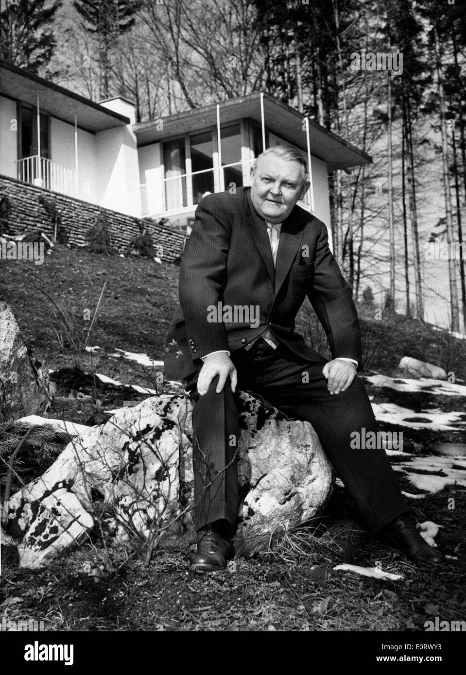 Portrait of Ludwig Erhard outside his home - Stock Image