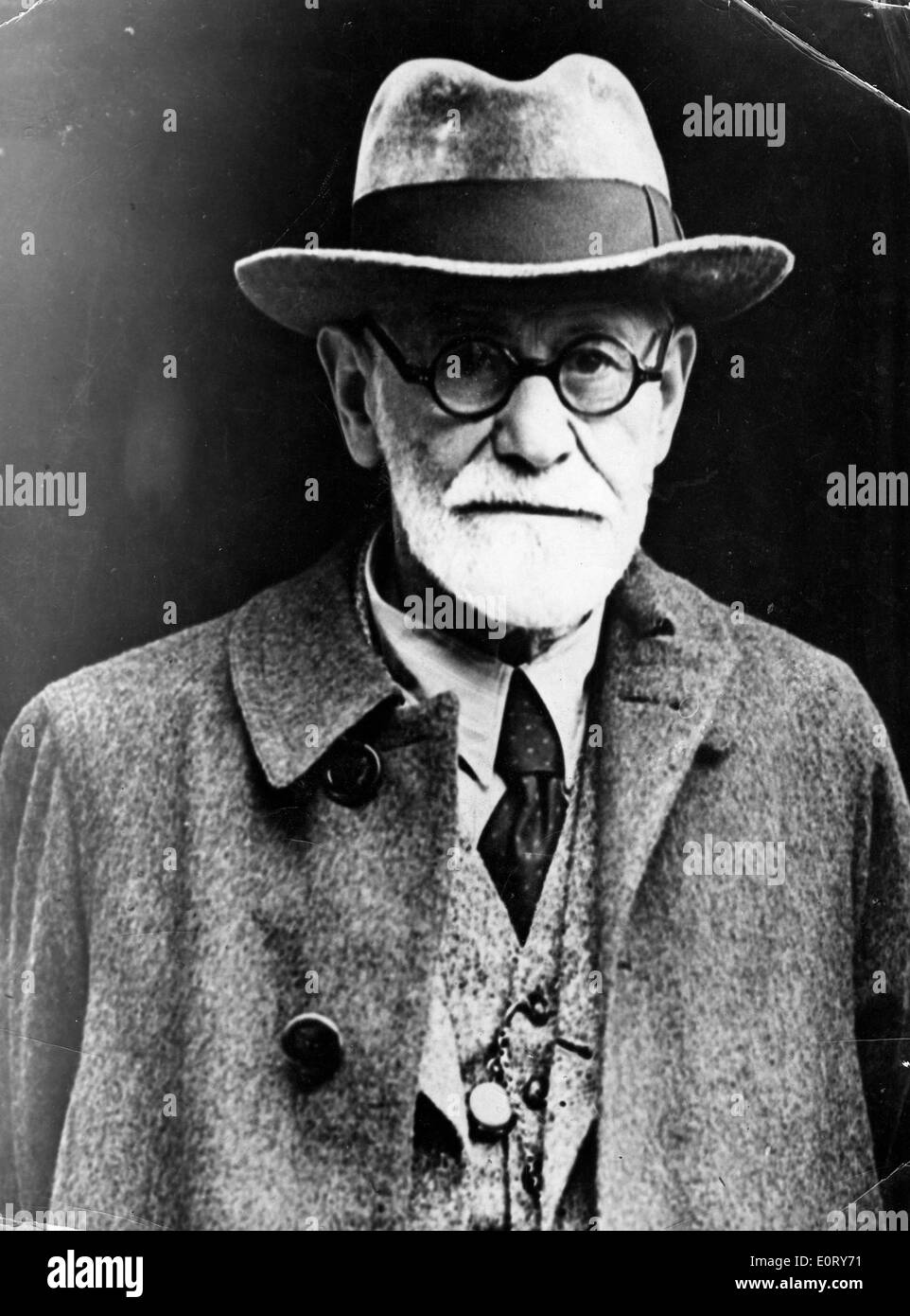 Close-up of Sigmund Freud in a coat and hat - Stock Image