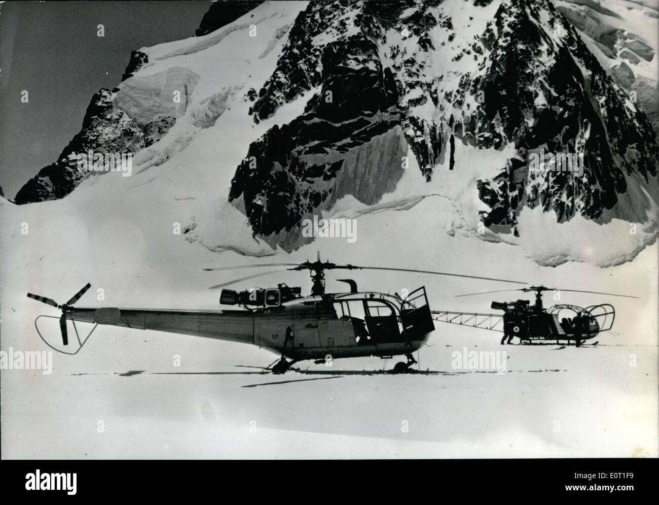 Jun. 29, 1960 - The ''Alouette III'' just completed mountain tests in the massif of Mont-Blanc from the 8th to the 22nd of June. During the tests, different high altitude platforms were used, including the furthest point of Mont-Blanc where several landings were made. These trials allowed them to decide with precision the admissible weight of the equipment for the landings or take off altitudes; it also allowed them to study the performance on the snow of skids specially made to prevent the equipment from sinking all while preventing it from sliding - Stock Image