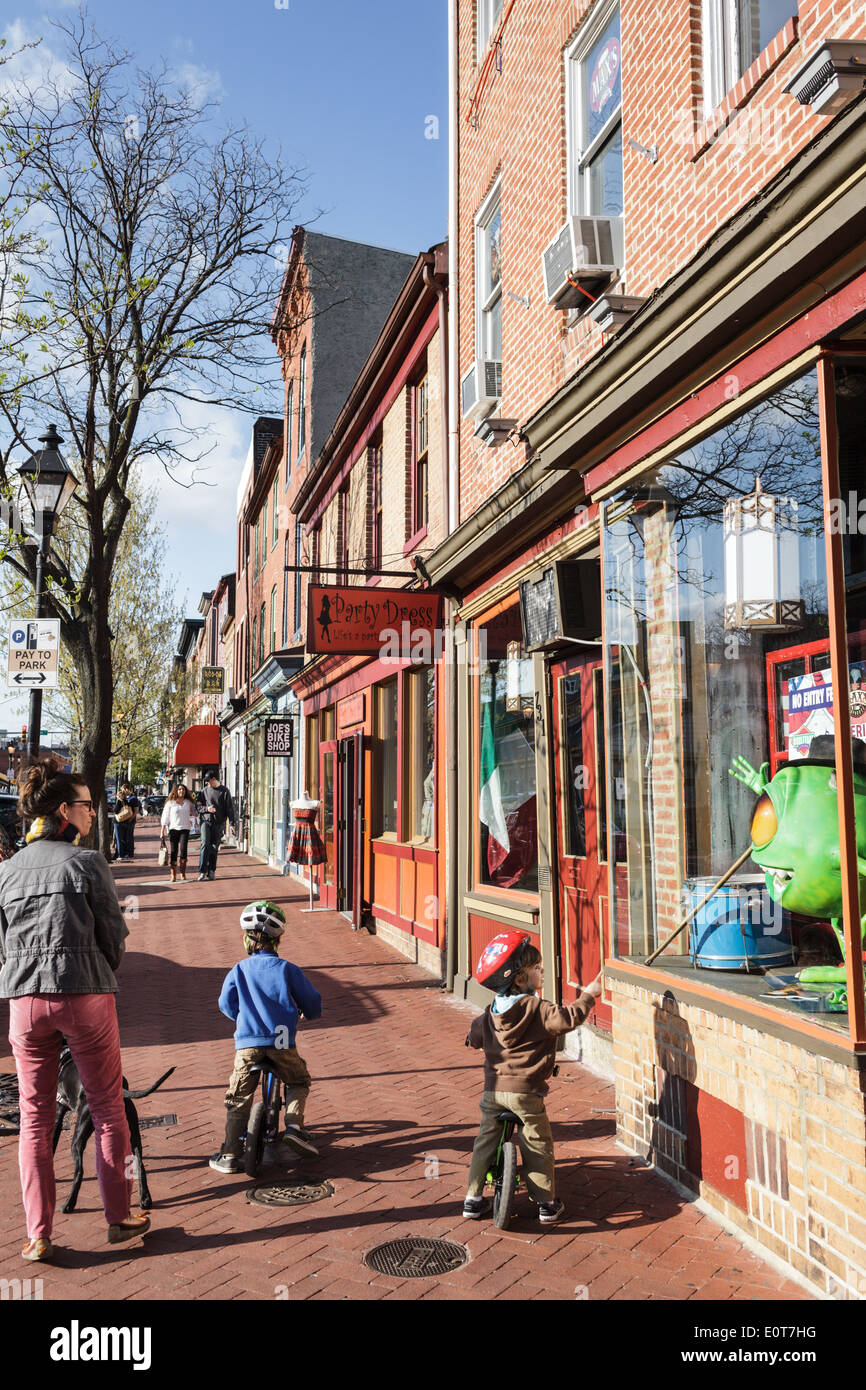 Shopping on Broadway, Fells Point, Baltimore, Maryland, USA - Stock Image