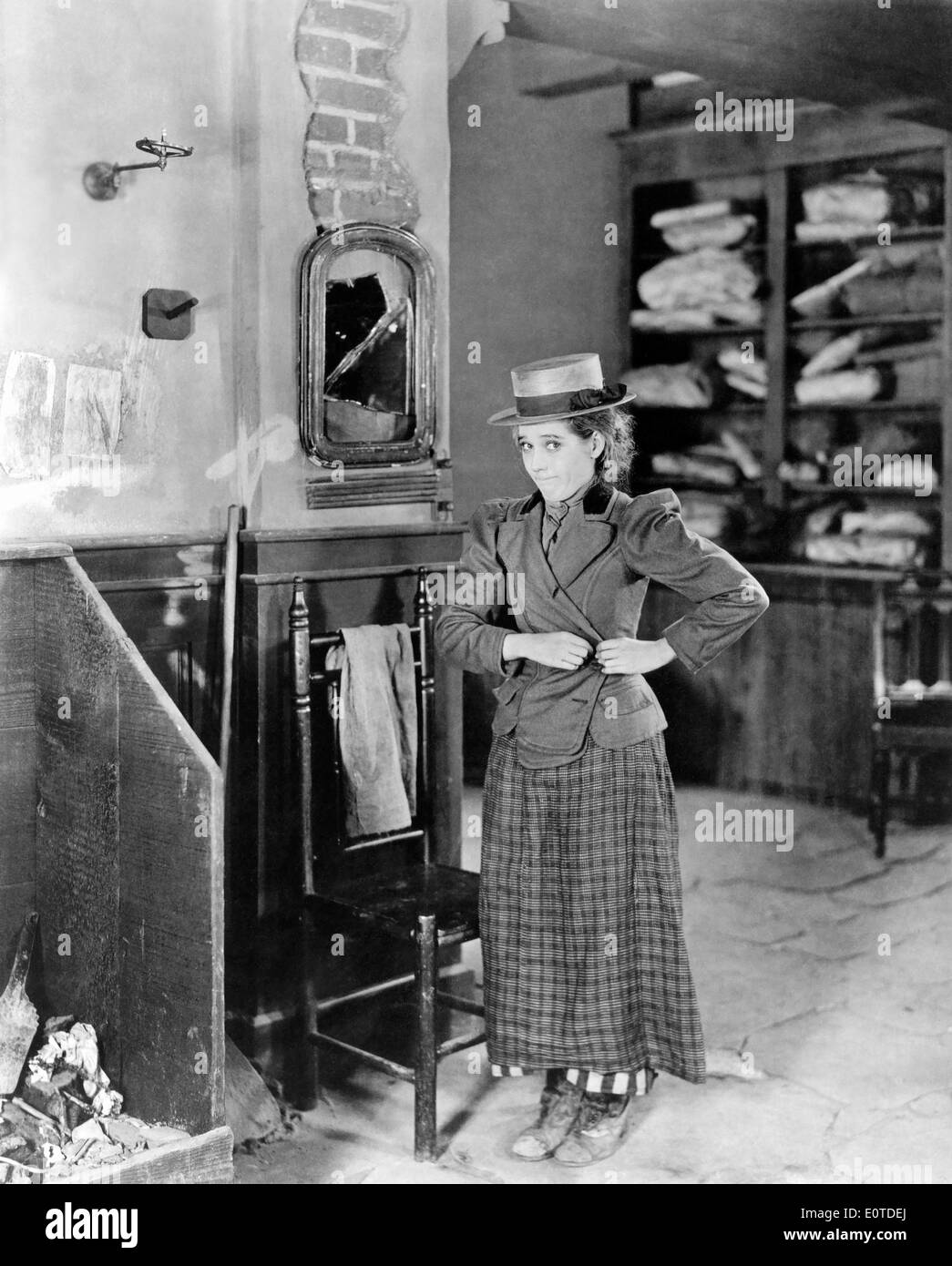 Mary Pickford, on-set of the Silent Film, 'Suds', 1920 - Stock Image