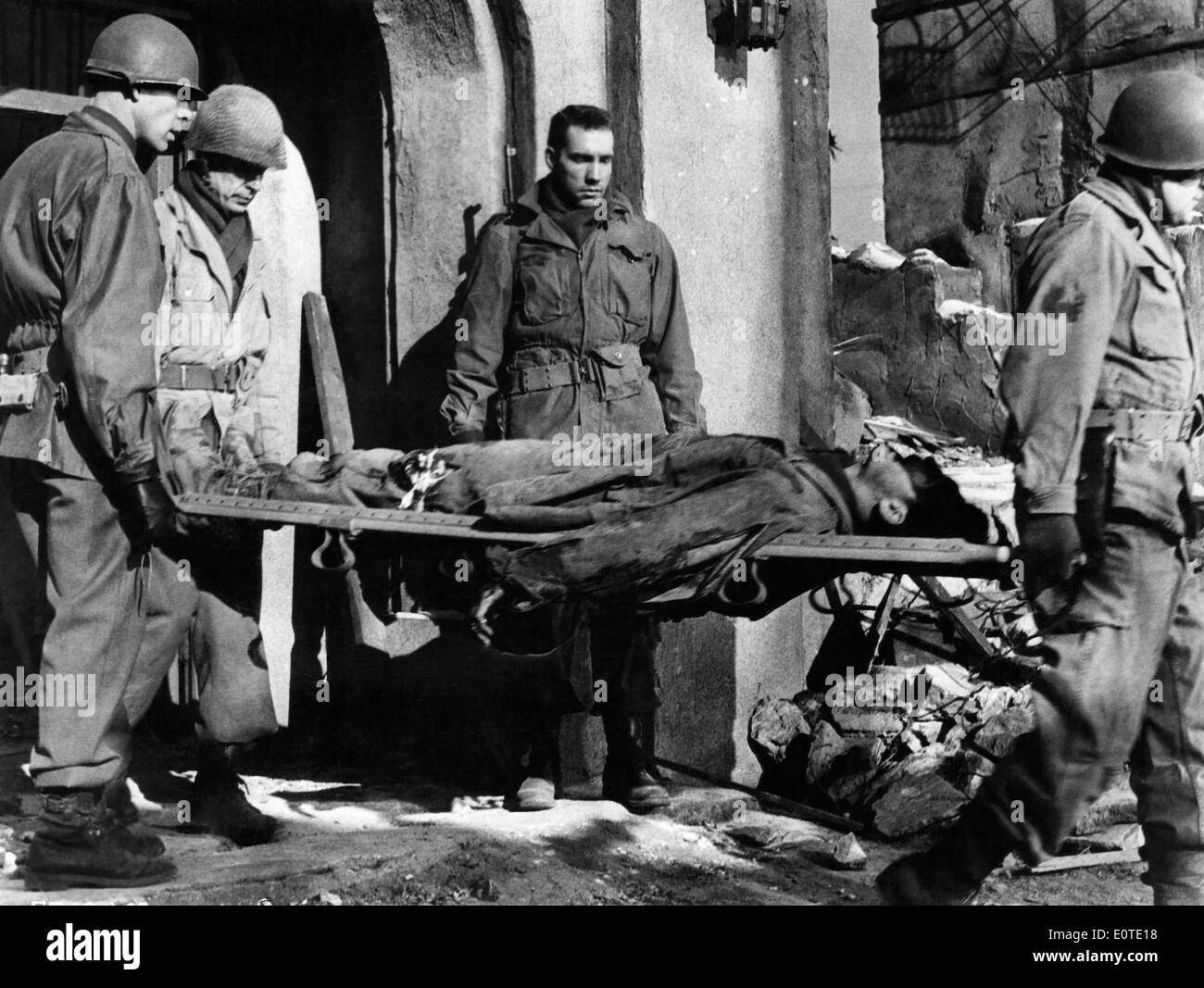 Lee Marvin, (L), on-set of the Film, 'Attack', 1956 - Stock Image