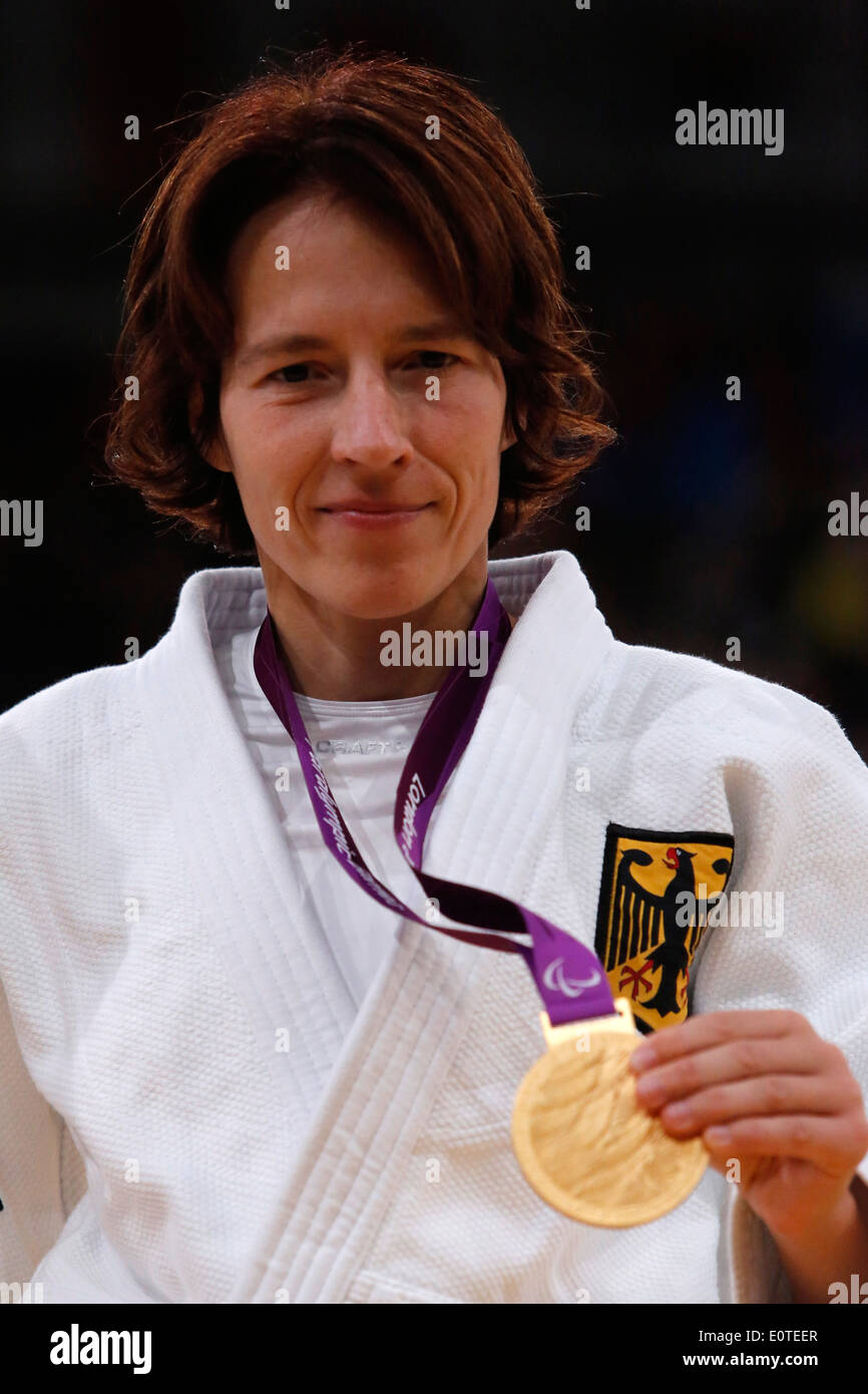 Carmen Brussing of Germany celebrates with her gold medal after she won the women's 48KG London 2012 Paralympic Games Judo competition in London, Britain, 30 August 2012. - Stock Image