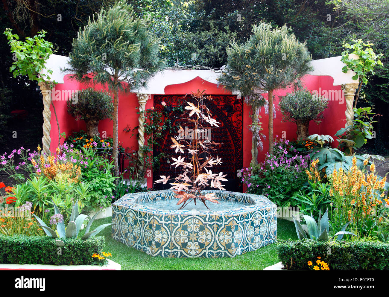 75 Years Of The Roof Gardens Of Kensington, An Artisan Garden Designed By  David Lewis At The RHS Chelsea Flower Show 2014