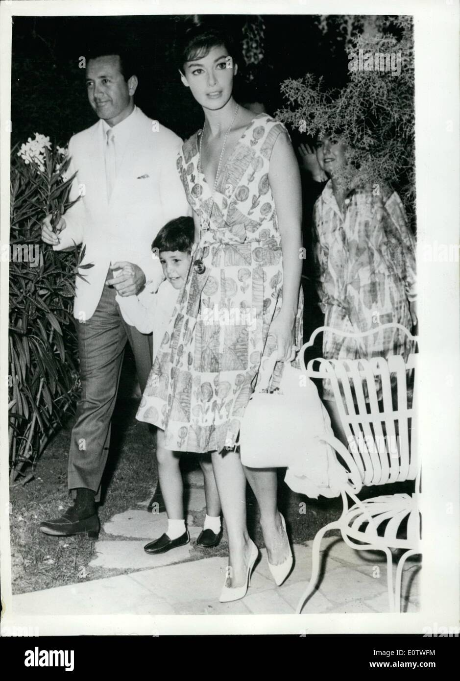 Aug. 08, 1960 - Vic Damone and Pier Angeli together once again reconciliation in the offing?.: Anna Maria Pier Angeli and hex ex-husband Vic Damone were to be seen together at a Rome Hotel yesterday - with their four year old son Perry. Anna had booked a suite at the hotel for Vic - who arrived form the United States - to take part in a new M.G.M. film. fiends of the couple believe that the chief reason for his visit to Rome - was for the purpose of a reconciliation with his lovely wife and their son - Stock Image