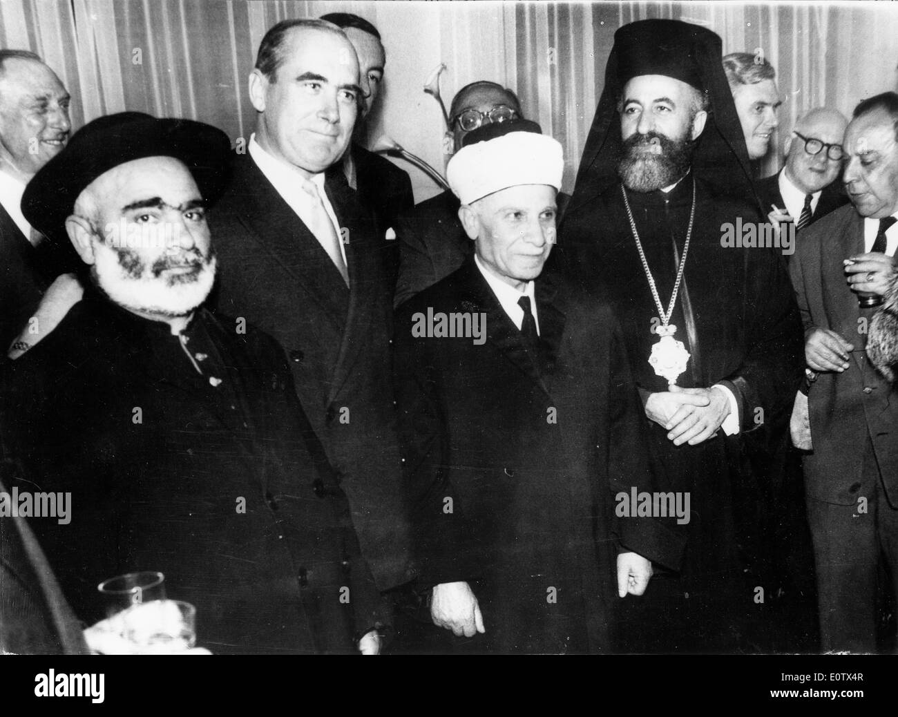 Archbishop Makarios III and Hugh Foot attend reception - Stock Image