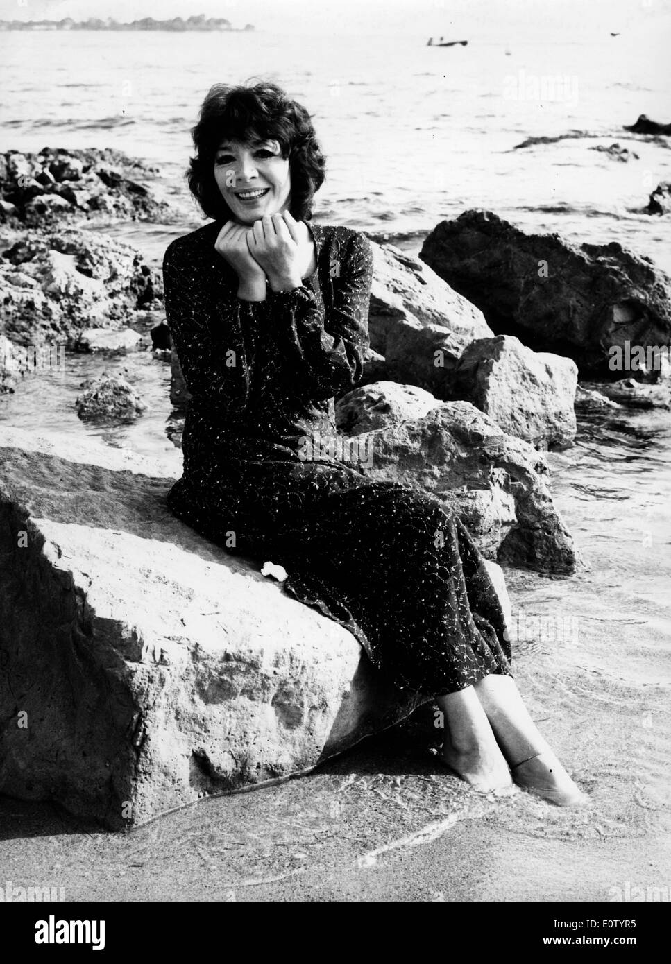 Portrait of Juliette Greco on the beach - Stock Image