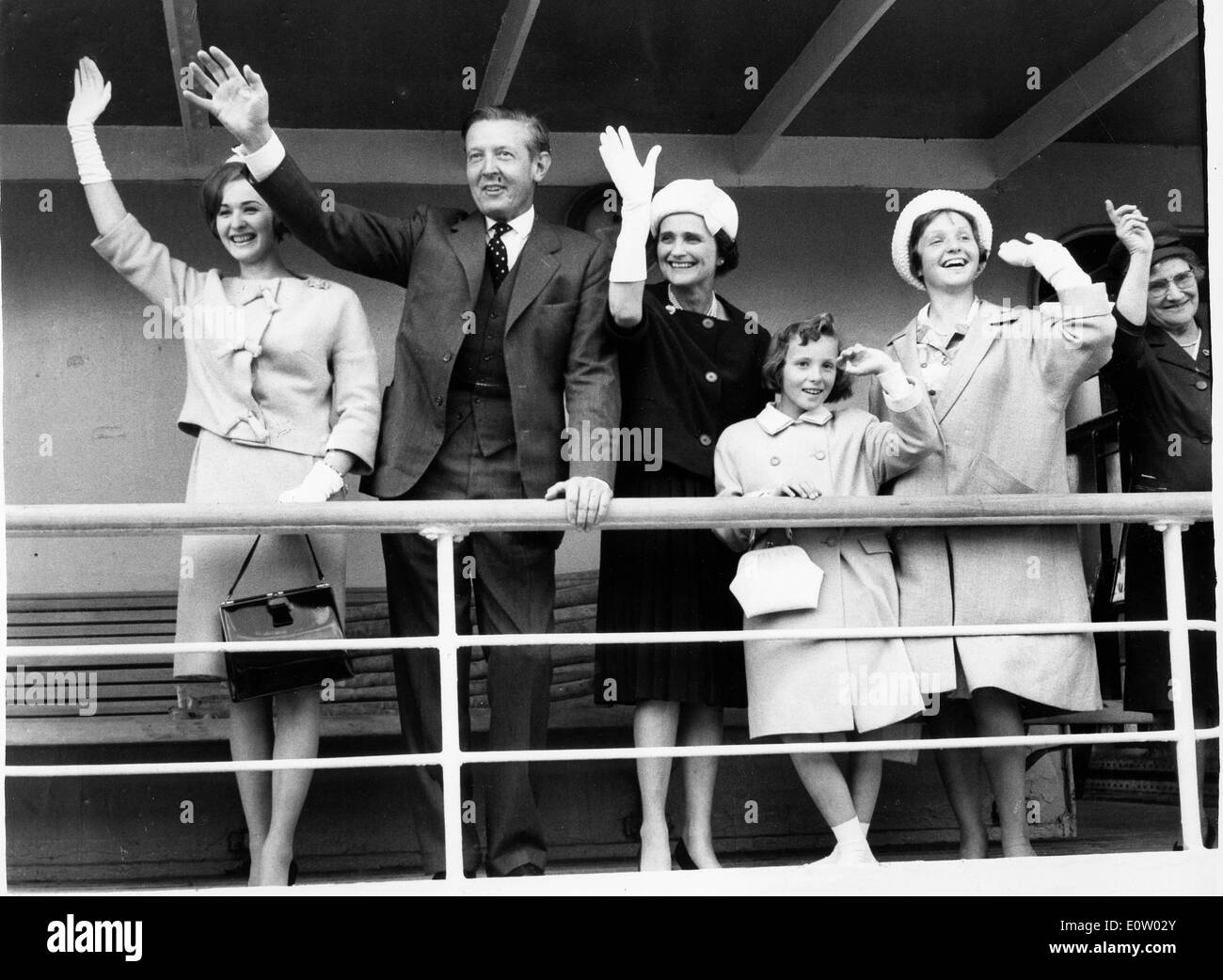 1st Viscount De L'Isle on a ship with his family - Stock Image