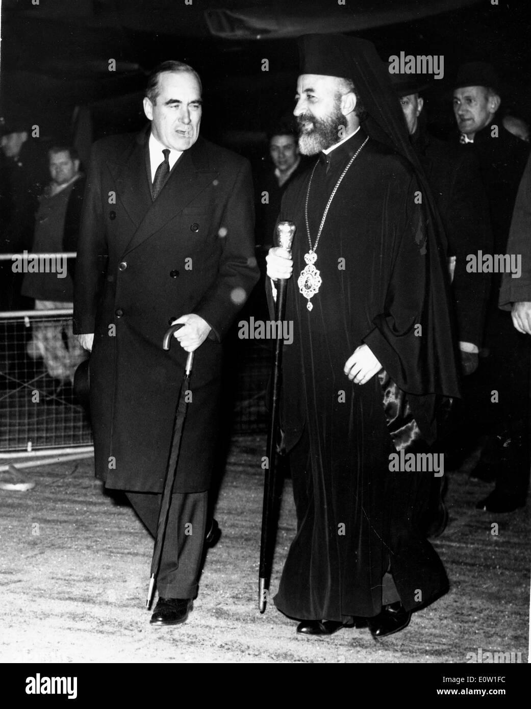 Archbishop Makarios III greeted by Hugh Foot - Stock Image