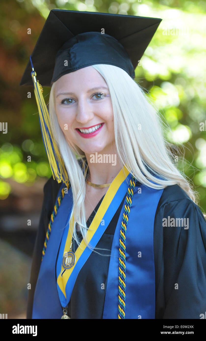 Graduate Honors Stock Photos & Graduate Honors Stock Images - Alamy