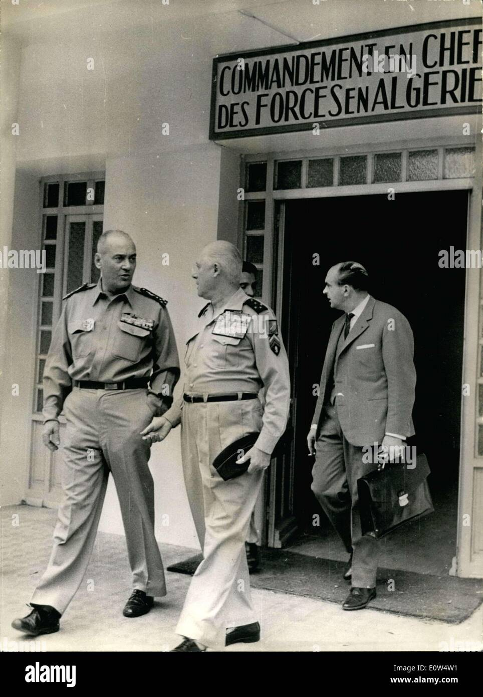Apr. 27, 1961 - Generals Jouhaud and Salan (right), authors of the Puntsh military in Algeria, leave the command to the Algerians. - Stock Image