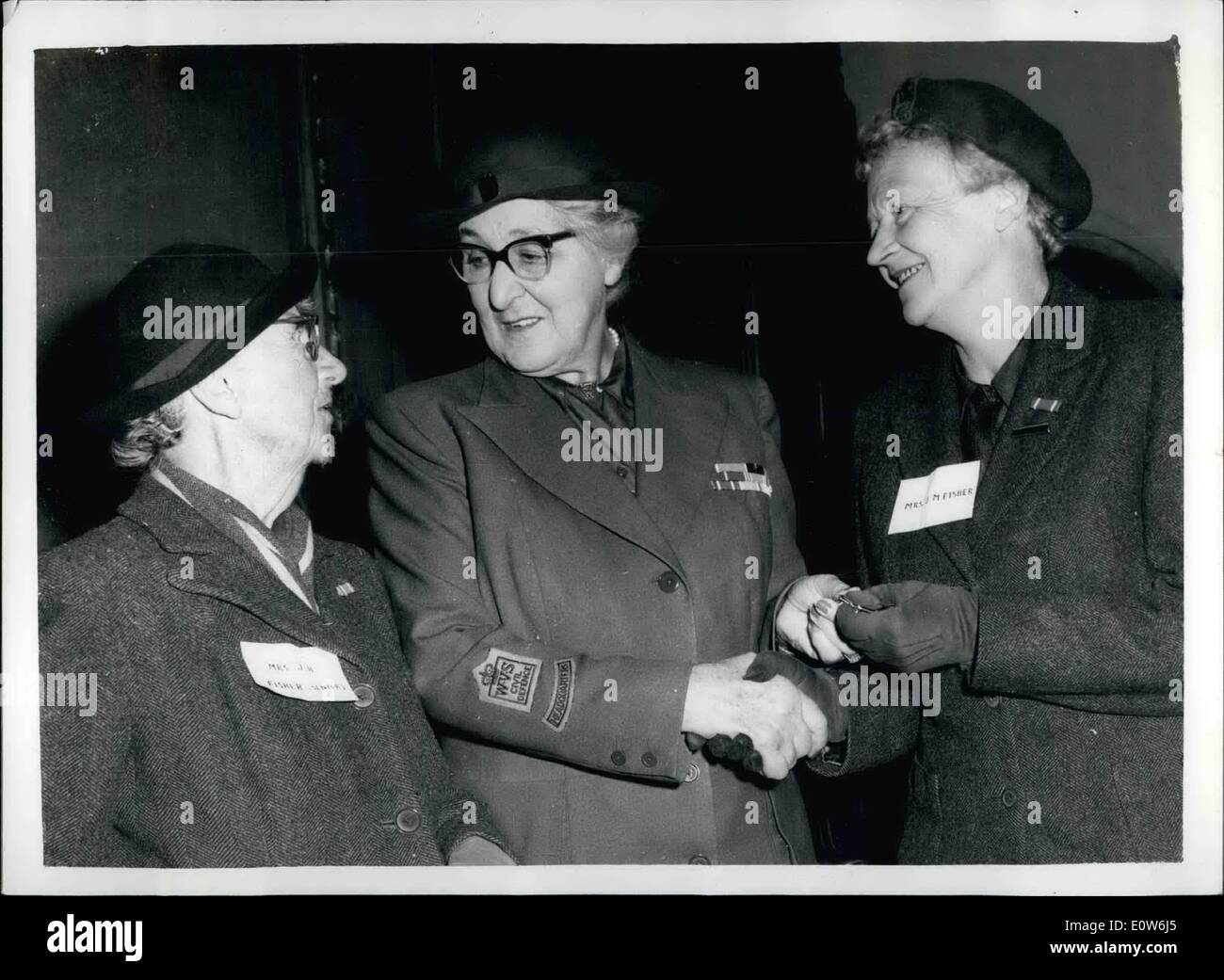 Oct. 10, 1961 - WVS long service medals presented: The Dowager Marchioness of reading, Chairman of the Women's - Stock Image