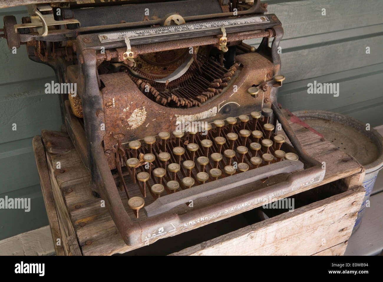 An old rusted Underwood manual typewriter, Quebec, Canada - Stock Image