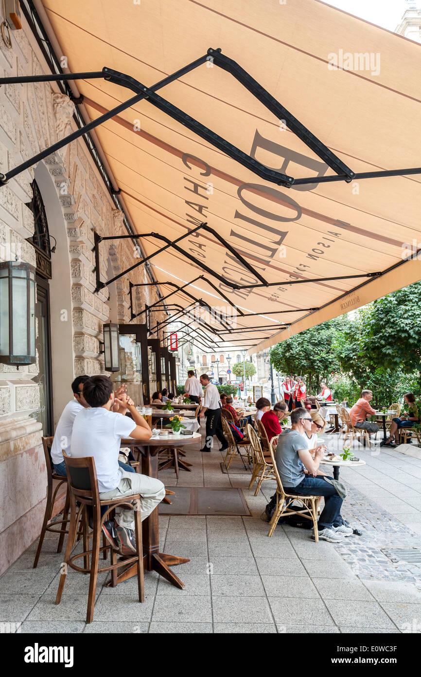 Café at Andrássy Avenue, Andrassy ut, boulevard, Budapest, Hungary - Stock Image