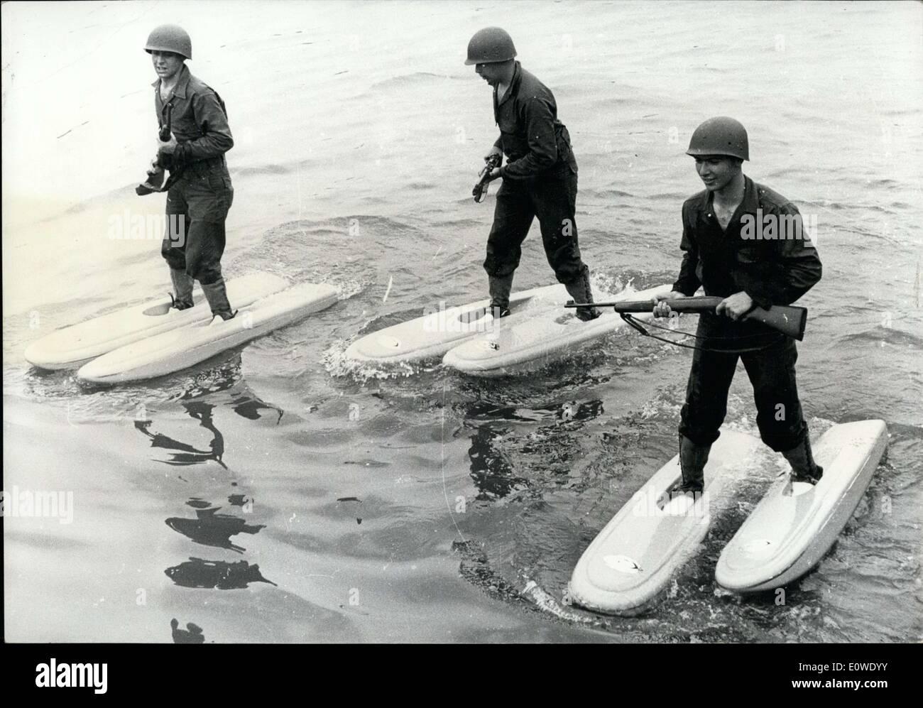 Jun. 29, 1962 - American Soldiers Walking on Water at the Pentagon's Lake - Stock Image