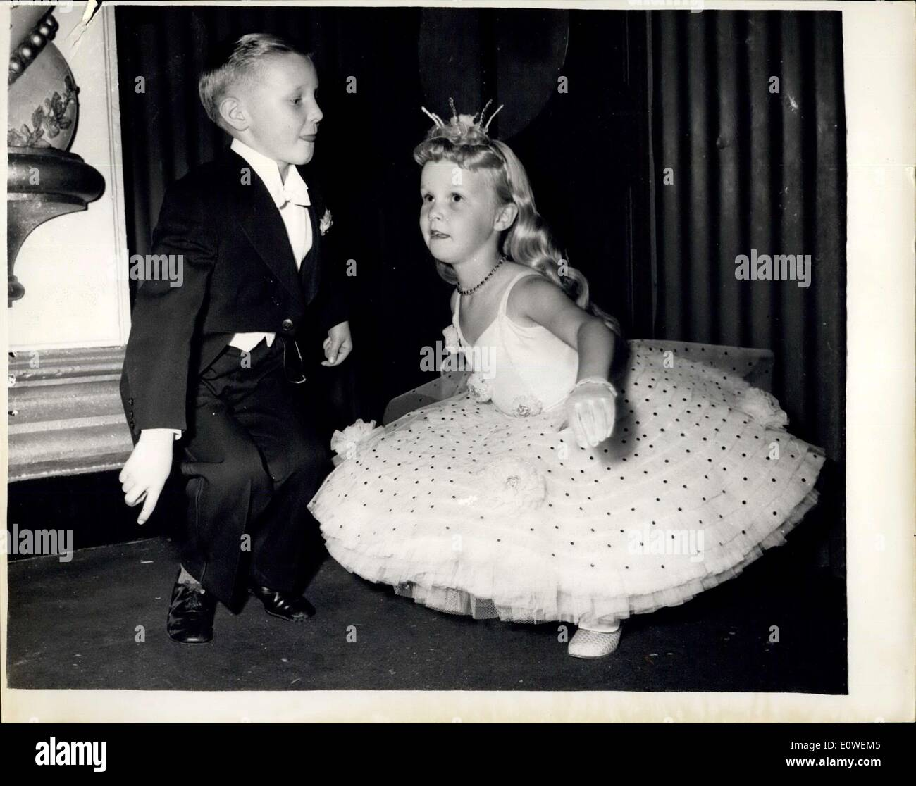 Jul 30 1962 Old Time Twist Photo Shows Joy Beaziey 7 And