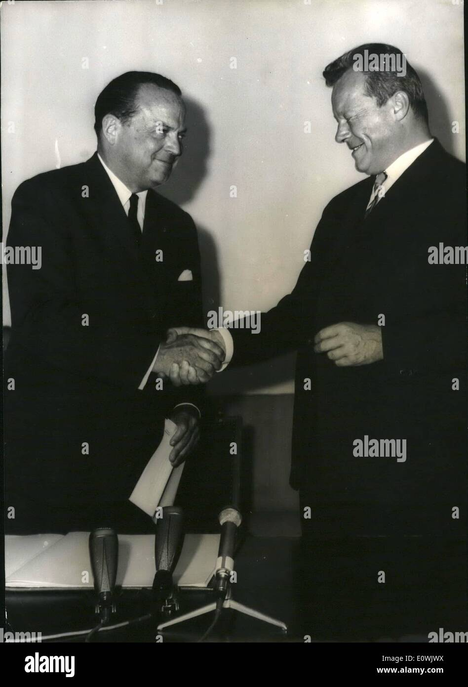 Jun. 06, 1963 - US-Ambassador McGhee in Berlin: To his first official visit new american ambassador in the Federal Stock Photo